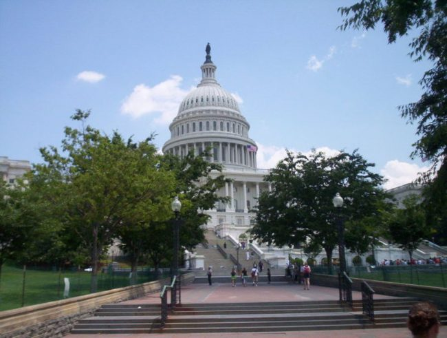 800px-USCapitol2